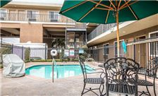 Quality Inn & Suites Maingate - Pool