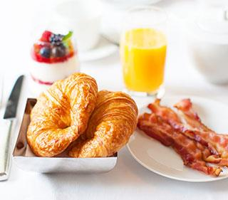 Free Hot Breakfast from Anaheim CA Hotel